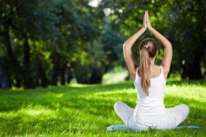 Дыхательные упражнения в йоге для начинающих — Пранаямы