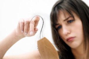 Лучшие препараты, таблетки и шампуни от выпадения волос у женщин