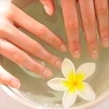 Ломкость и отслаивание ногтей на руках: причины и лечение