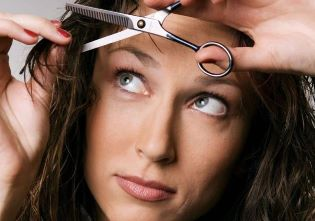 Сам себе стилист: как подстричься дома самостоятельно?
