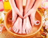 Лучшее и самое эффективное народное средство от потливости и запаха ног и обуви