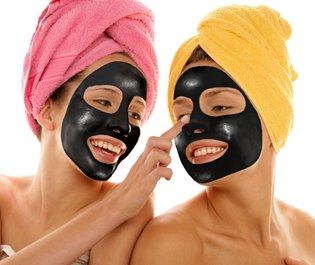 Черная маска для лица: рецепты приготовления и особенности применения