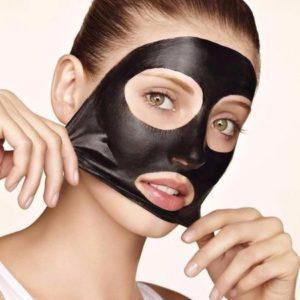 Для чего используется черная маска для лица