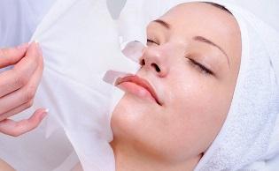 Тканевые маски для лица: кому подойдут и как выбрать лучшую