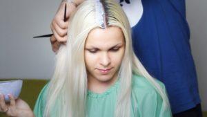 обесцвечивание черных волос