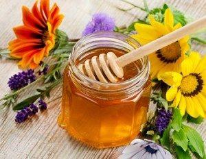 Чем полезно обертывание против целлюлита с медом