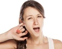 Перхоть в ушах: как избавиться?