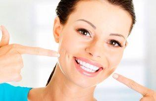 Голливудская улыбка, или как отбелить зубы в домашних условиях