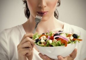 Как лучше принимать пищу