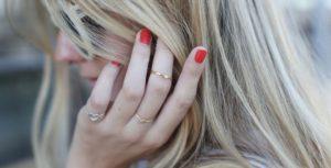 Золотые, платиновые кольца с драгоценными камнями: большой выбор, изготовление на заказ в салоне PIERRE