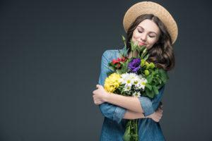 Цветы – отличный подарок на любой праздник