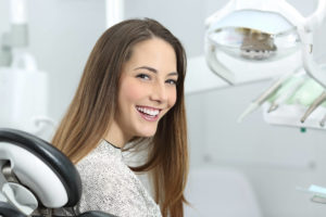 Какие бывают методы реставрации зубов